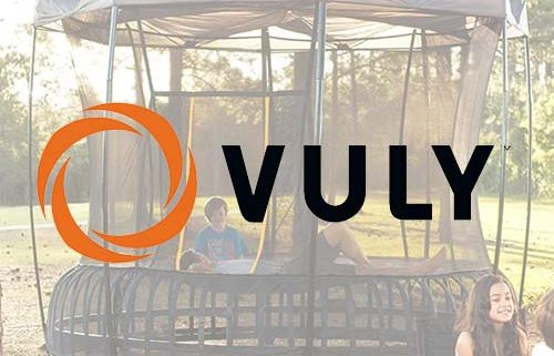 Vuly Thunder witth Vuly Thunder Tent in forest
